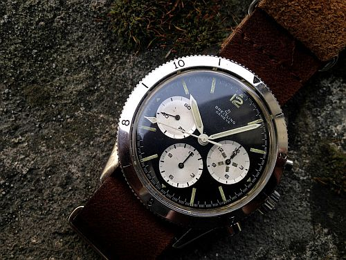 Breitling-Avi-765-reversed-panda-01