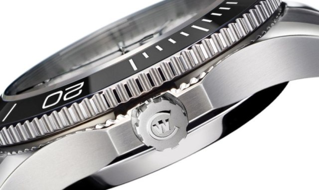 Christopher Ward Trident COSC 02