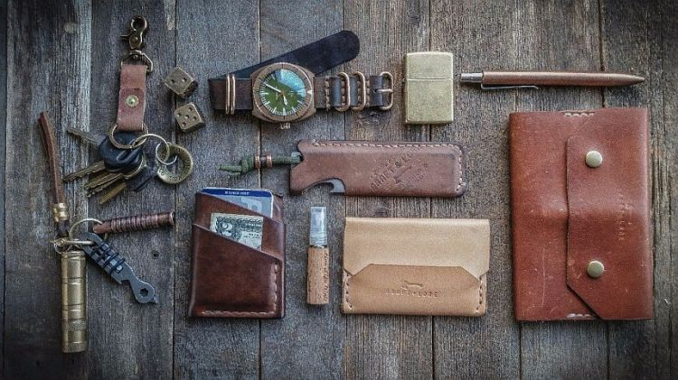edc leather organizer an everyday carry threefer wrist watch review
