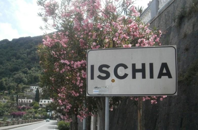 Kwiatowa Ischia. Wyspa Zatoki Neapolitańskiej
