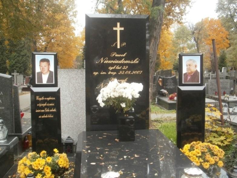 Grób Dziada na Cmentarzu Bródnowskim
