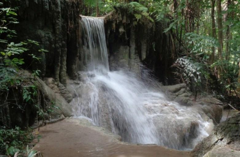 Wodospady Erawan – zielony raj Tajlandii