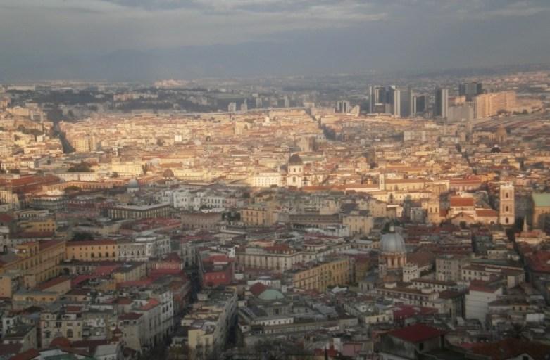 dzielnica vomero neapol na wzgórzu