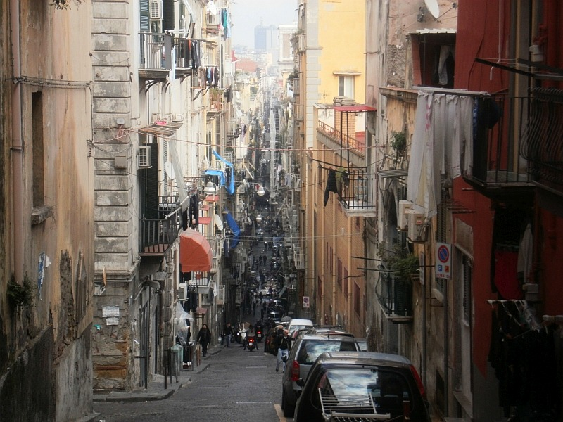 puliAMO NAPOLI. Dlaczego warto pokochać Neapol?