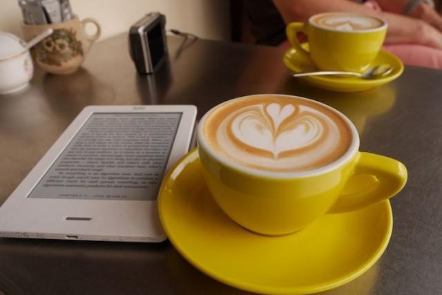 ebooks_versus_paperbacks