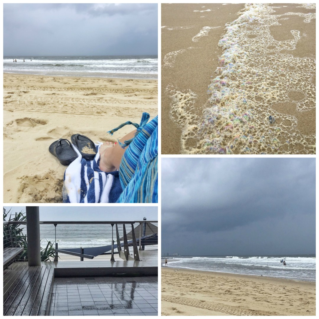 beach, mooloolaba beach, bad weather, cloudy, overcast, stormy, grey skies
