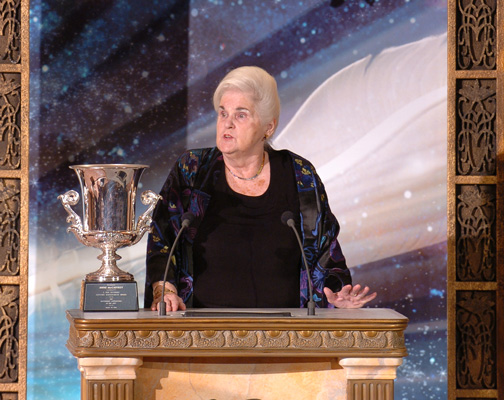 Anne McCaffrey receives her Lifetime Achievement Award