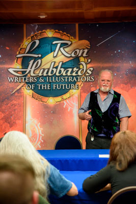 Judge and bestselling author Larry Niven addresses the Writers Workshop.