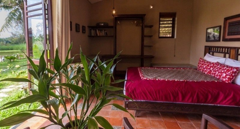 Meditation Retreat Vietnam - Write Your Journey: An Villa Boutique Resort Hoi An, Studio Apartment facing the garden and lake.