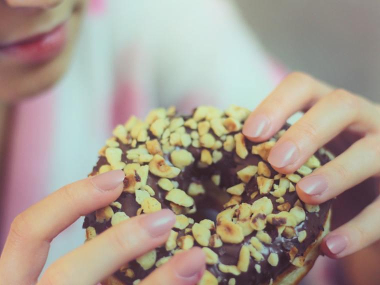 stop late night binge eating