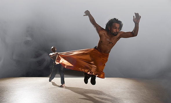Sooraj Subramanian and Shailesh Bahoran in Shobana Jeyasingh's Material Men (photo: Chris Nash)