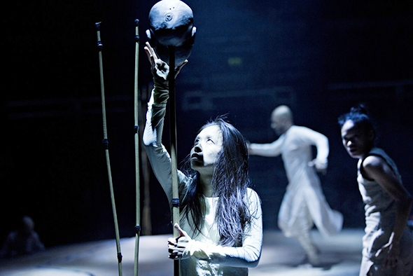 Ching-Yien Chien, Akram Khan and Christine-Joy Ritter in Until the Lions (photo: Jean-Louis Fernandez)
