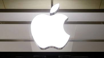 Apple, Other US Goods From China Said to Be Held Up at Indian Ports