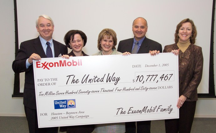 ExxonMobil_United_Way_Photo_(cropped)