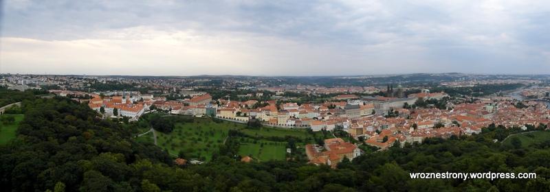 Widok z wieży na wzgórzu Petřin