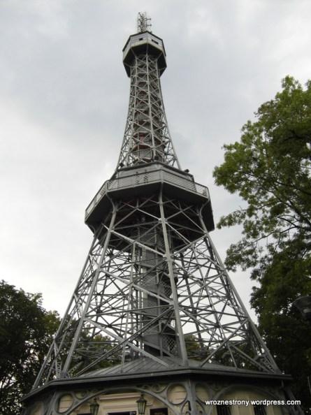Wieża na wzgórzu Petřin