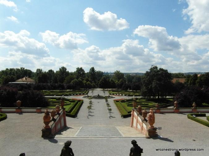 Park prz Pałacu Trojskim