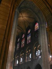 Wnętrze Notre-Dame