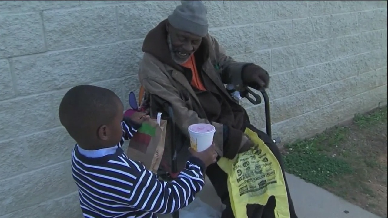 Alabama_boy_spends_allowance_on_homeless_0_20180411233043