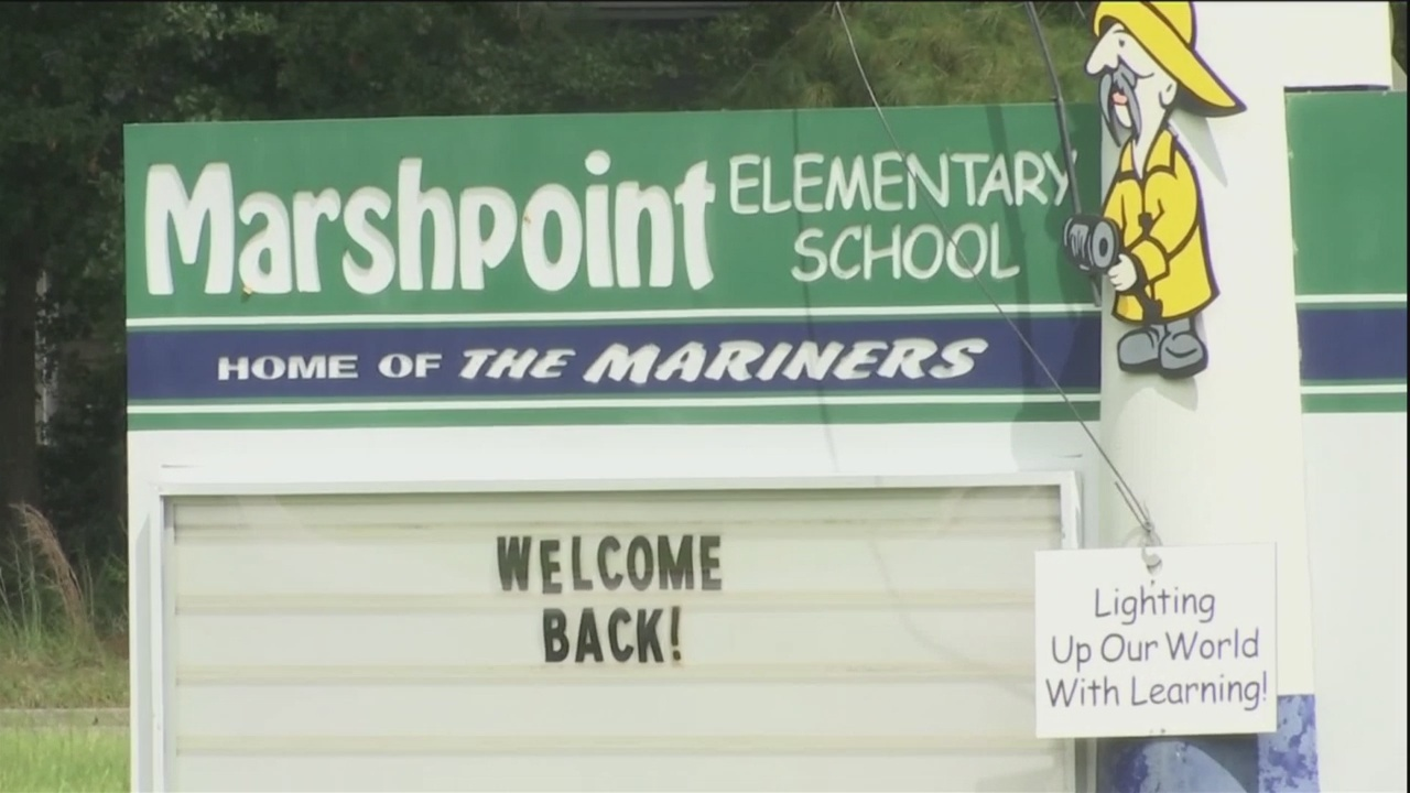 Marshpoint Elementary School students return back to school