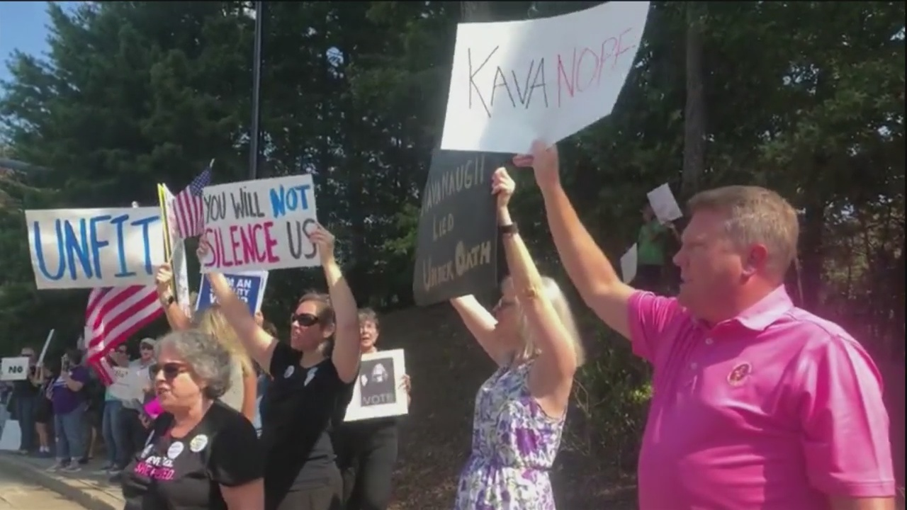Kavanaugh protests outside Sen. Isakson's office
