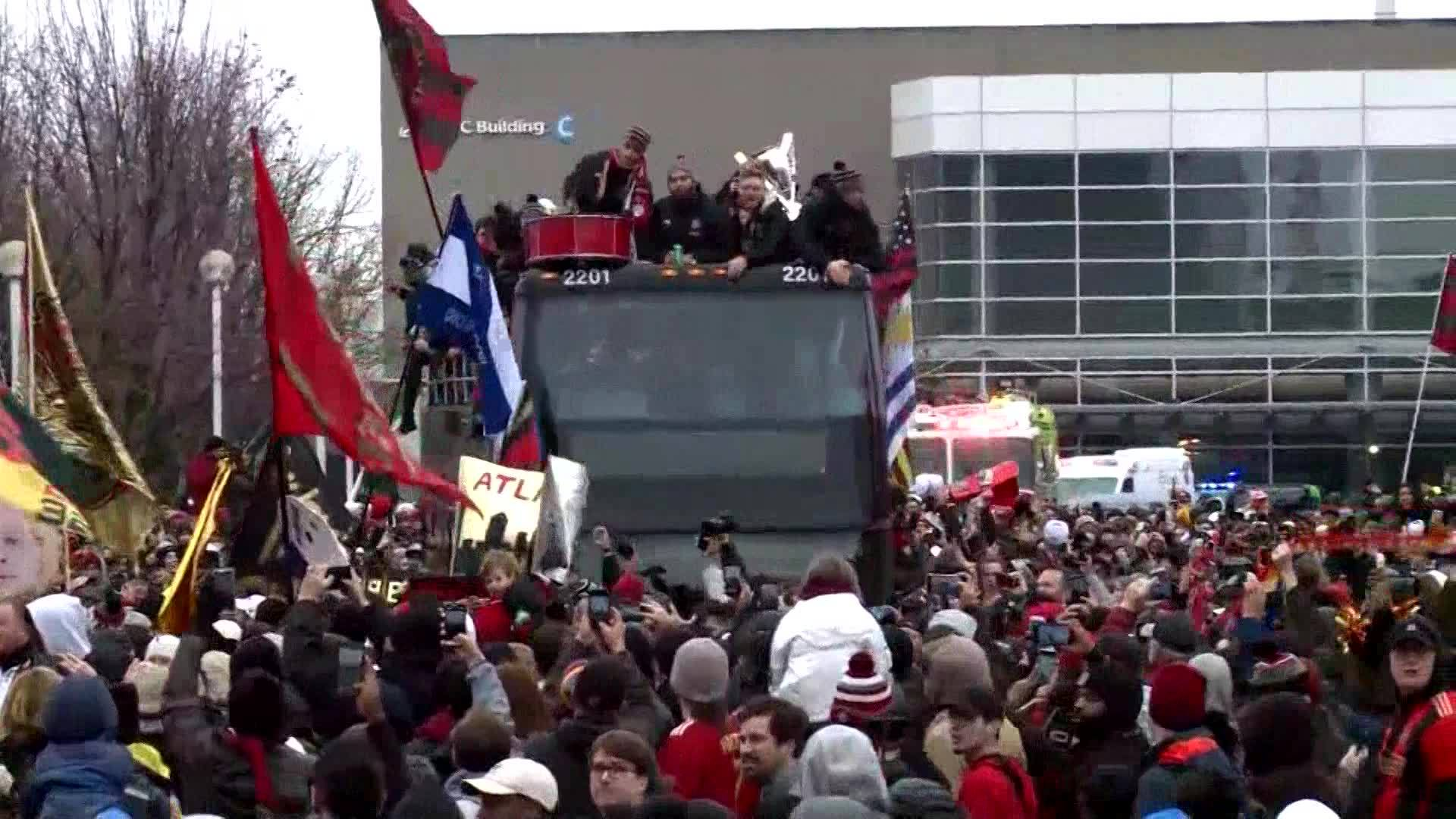 VIDEO__A_cold_MLS_victory_parade_0_20181210175757