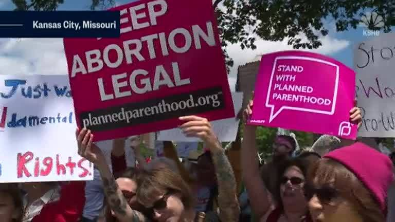 Protesters_Rally_Against_Missouri_Aborti_0_20190520151804