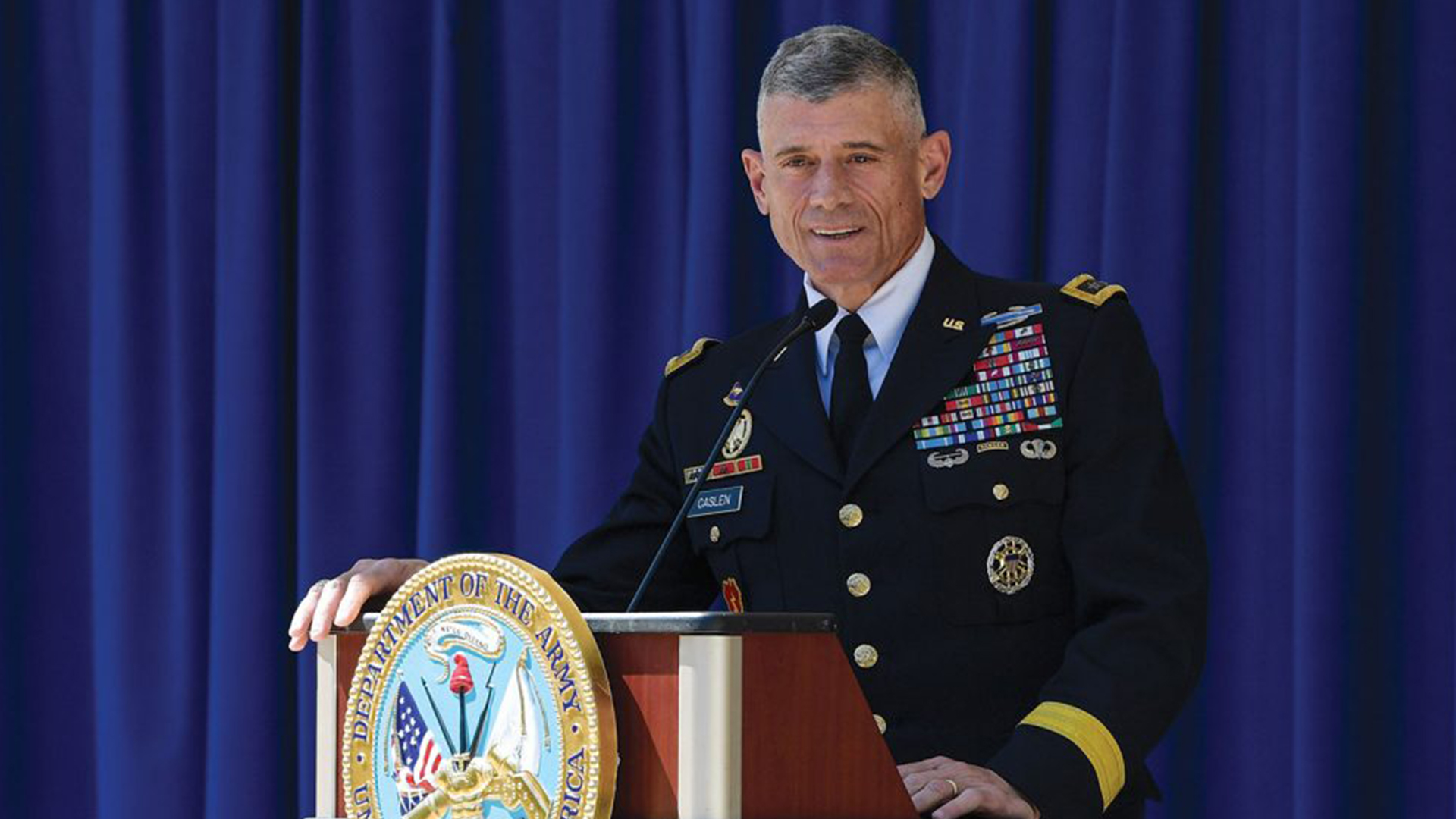 USC trustees select Army general as new president | WSAV-TV