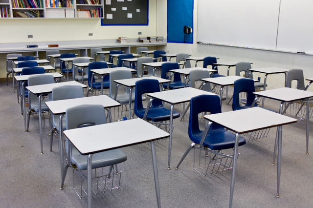 classroom-istock_000005589311small_20100302111400_640_480_170003