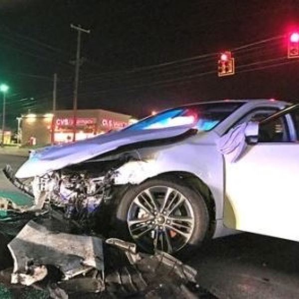 index-journal_greenwood-chase-and-crash_331296