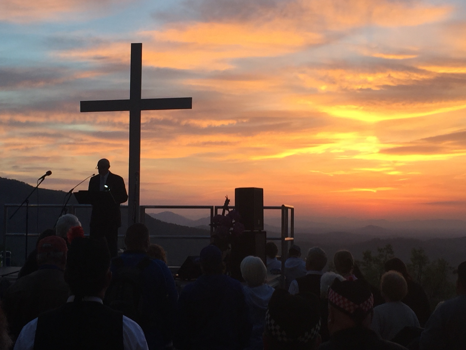 Chimney Rock Sunrise Service 2_365095
