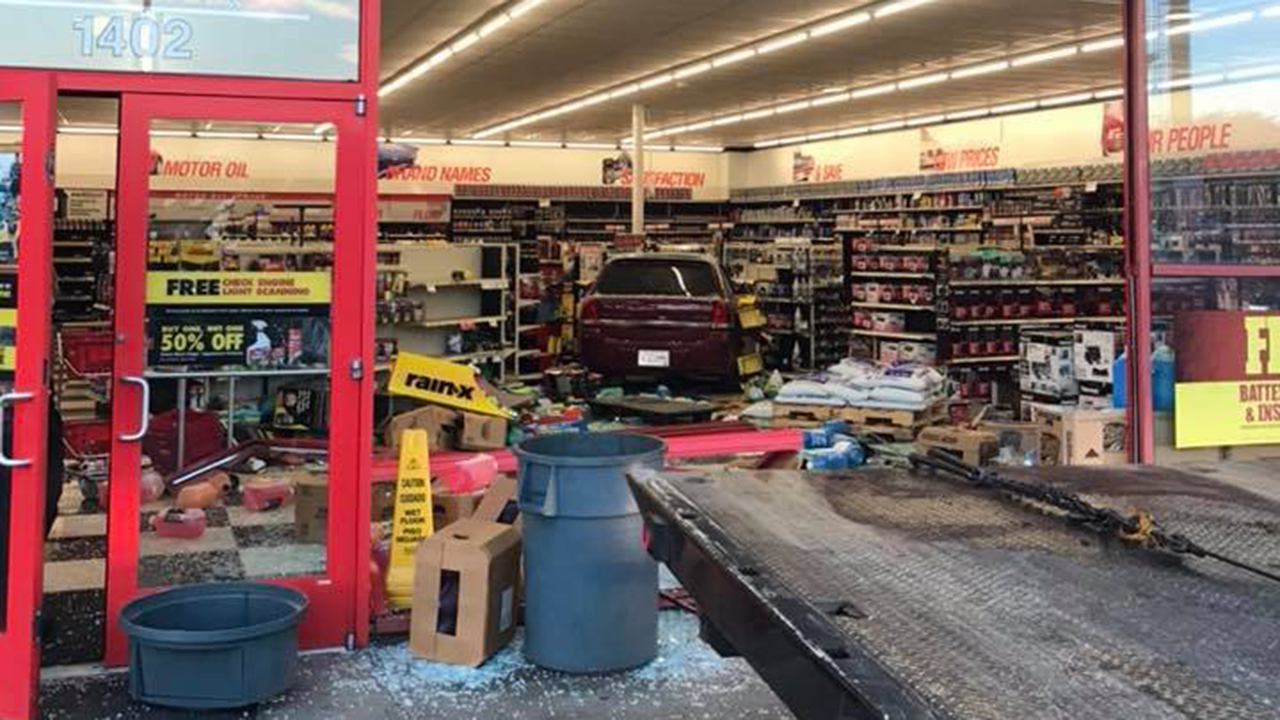 Car Crashes Into Advance Auto Parts Store In Gaffney