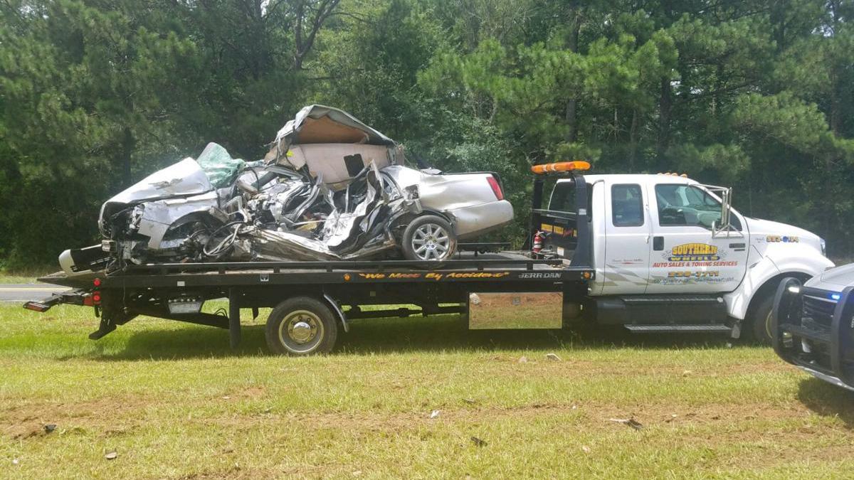Greenwood-crash---Index-Journal_1533153899055.jpg