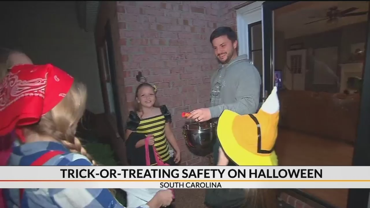 Trick_or_treating_safety_0_20181031104717