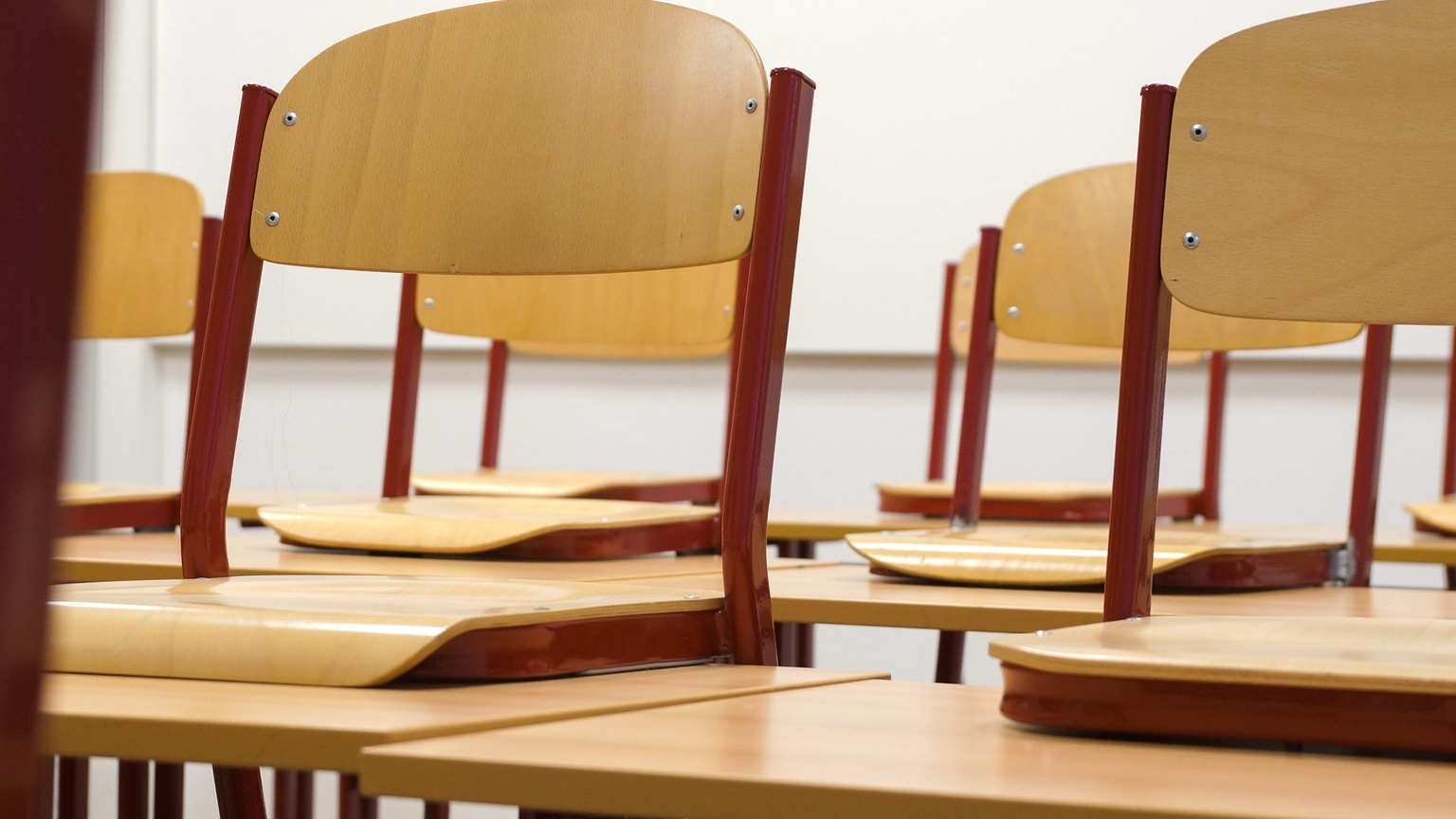 classroom-824120_1920 Cropped_1540816581135.jpg.jpg