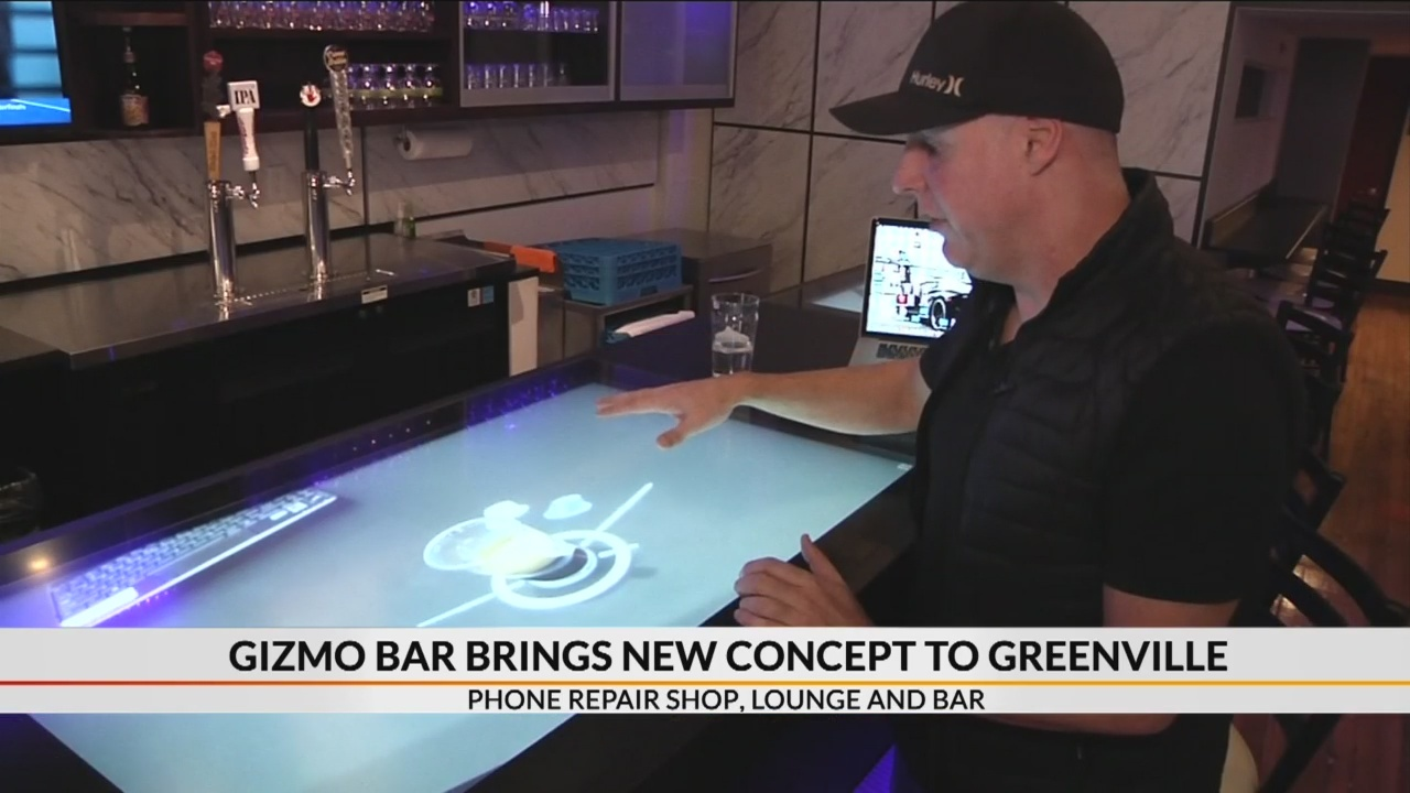 Gizmo Bar offers cell phone repair in bar and lounge