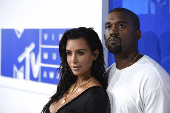 kayne west and kim kardashian_529359