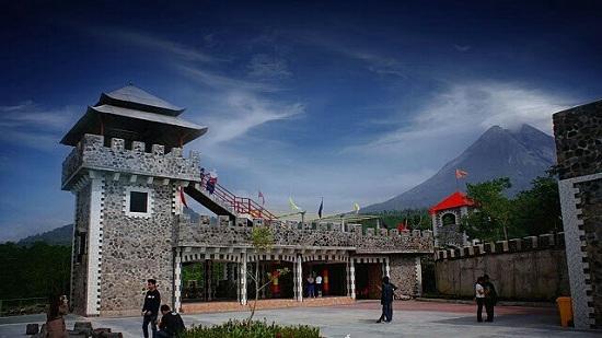 The Lost World Castle Jogja, Obyek Wisata Hits di Kaliurang Sleman