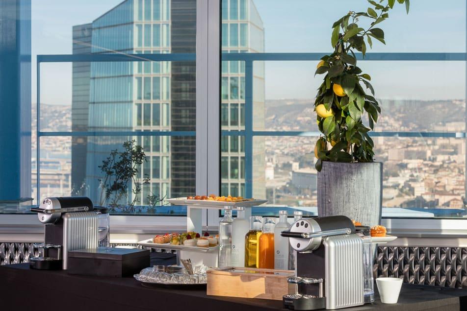 Salle de cocktail d'entreprise à Marseille dans la Tour La Marseillaise
