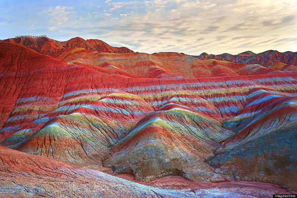 Rainbow_mountain_Zhangye_Danxia_01