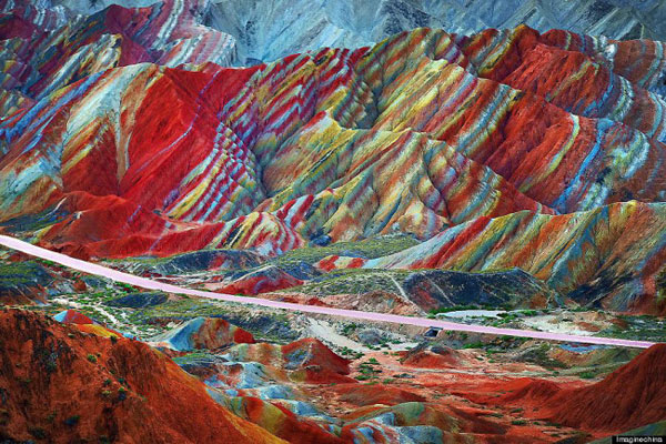Rainbow_mountain_Zhangye_Danxia_07