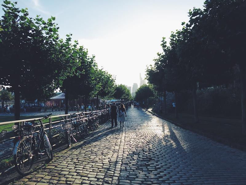 Bilder Frankfurt Mainufer Osthafen