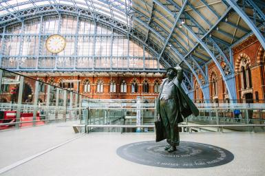Statue of Sir John Betjeman