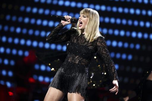 Taylor Swift_390908