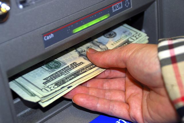ATM-Machine-Cash-Money-Generic_589290