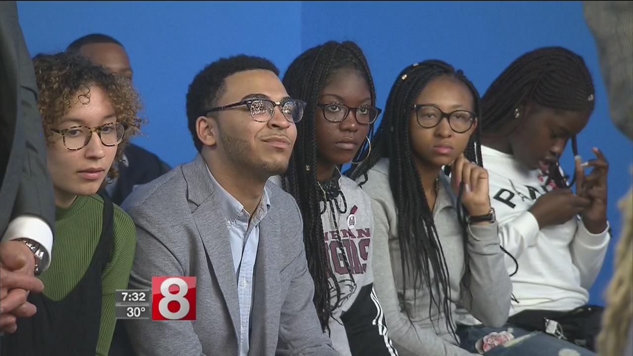 Sharpton, school survivor, announce anti-gun violence rally