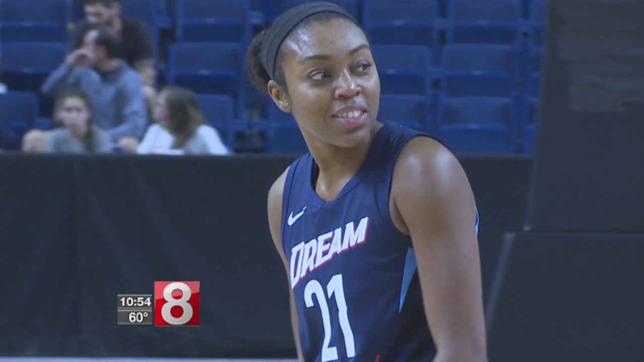 Connecticut Sun face old UConn star Renee Montgomery, Atlanta