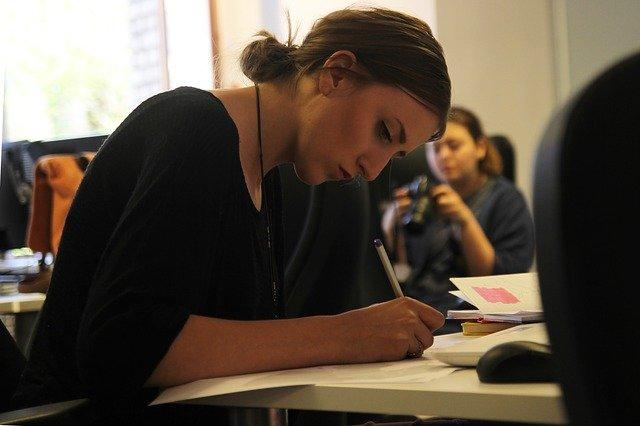 Entro 5 anni, 6 nuovi occupati su 10 dovranno avere la laurea o il diploma