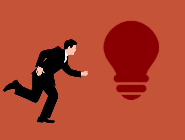 """Il Chief Innovation Officer, un """"regista di idee"""": nel 2025 il 12,8% delle aziende italiane prevederà questa figura professionale in organico"""