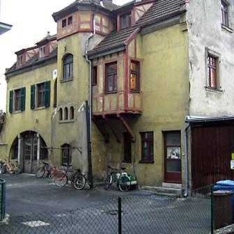 Hinterhof der Ziegelaustraße.